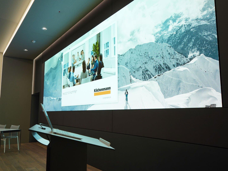 Referenzbild Scott Eine LED-Wand