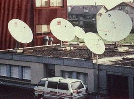 Kilchenmann Geschichte 1970 zeigt Satellitenschüsseln auf Dach
