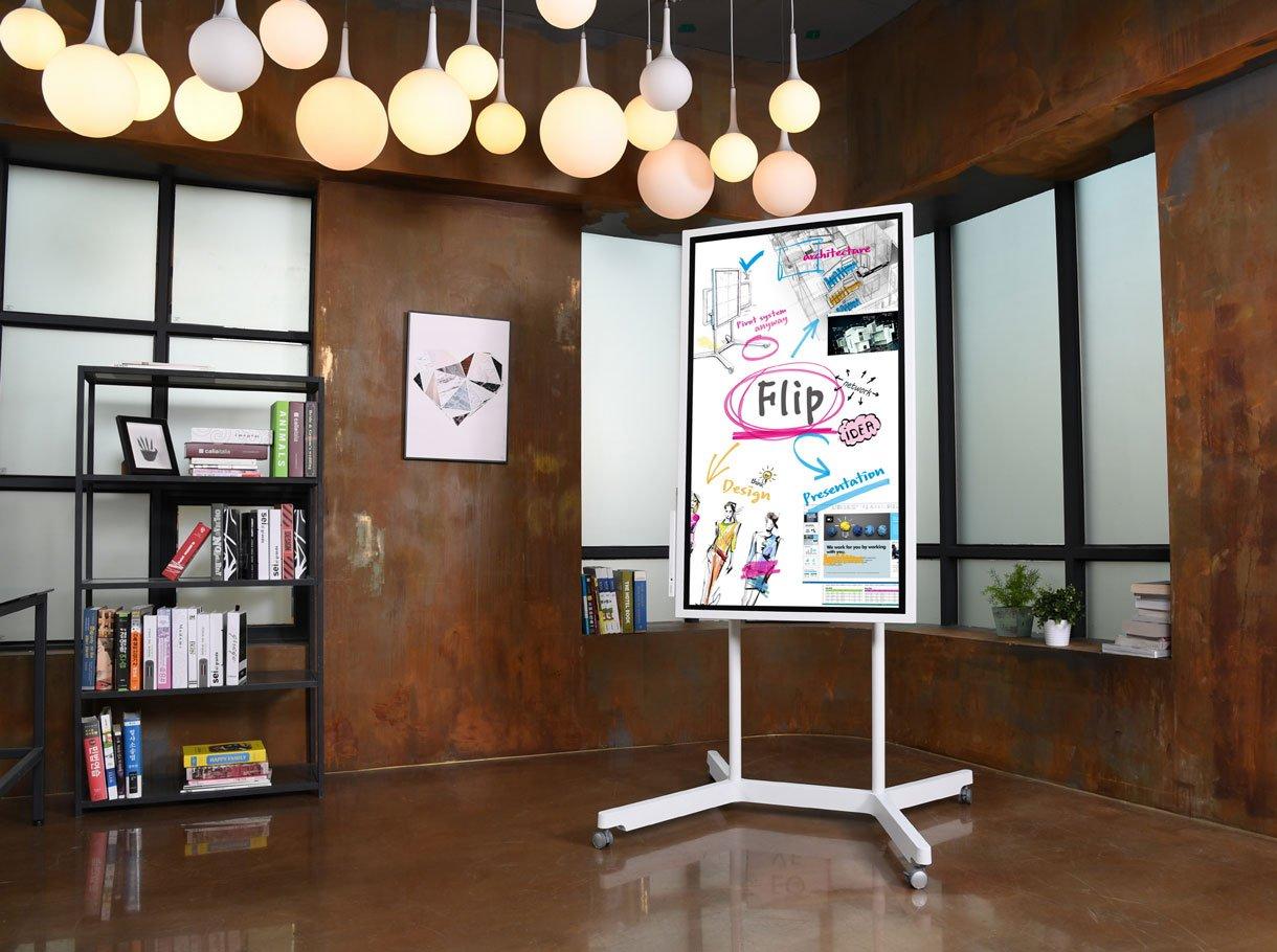 Samsung Flip Collaboration Board auf Standfuss